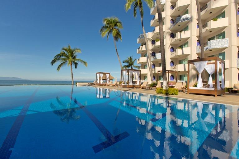 Crown Paradise Golden Puerto Vallarta Puerto Vallarta Golden - All inclusive resorts in puerto vallarta